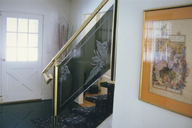 tranh kính cầu thang(6)